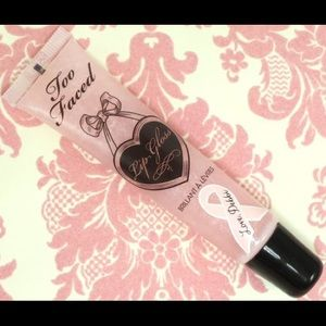 Too faced LIM. EDITION bREAST Cancer gloss NWT
